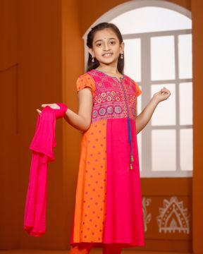 Picture of Girls Shalwar Suit (3-6 Years)